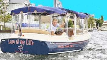 duffy-boat-hire-gold-coast
